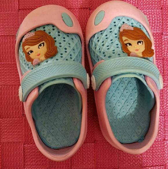 2234890afba4 Princess sandals. No Brand. M 5b9a2061f63eea264e4ead21.  M 5b9a2061f63eea264e4ead21